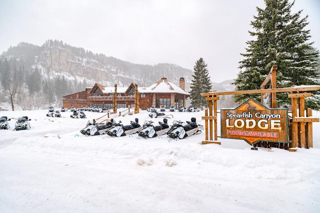 Spearfish Canyon Lodge Best lodges in Wyoming