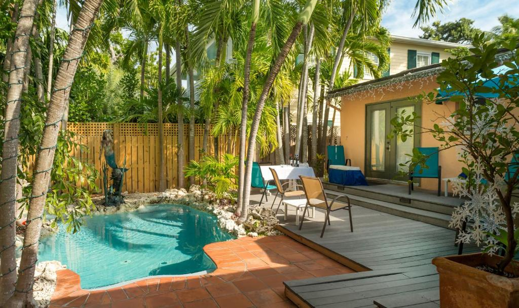 Suite Dream Inn   Key West Romantic Resorts with Private Pools in the USA