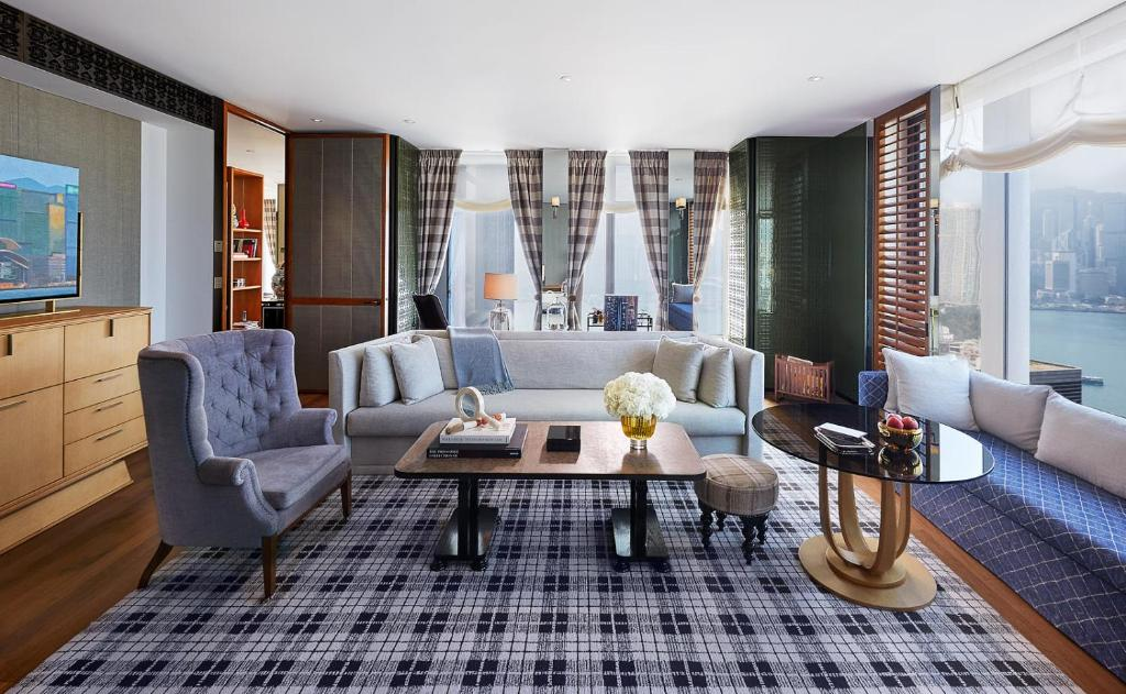 Grand Corner Suite with Harbour View at Rose Wood Hong Kong
