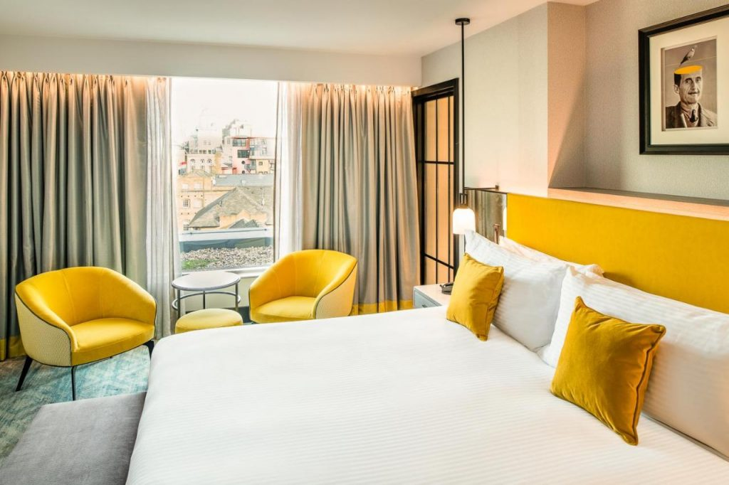 Executive guest room with king bed - The Dixon, Tower Bridge, Autograph Collection