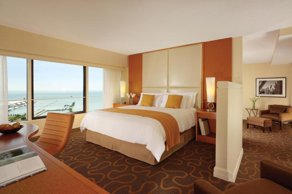 Swissotel Chicago Hotels for Families in Chicago