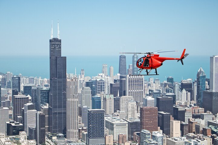 Helicopter tour   Photo by Heli Chicago